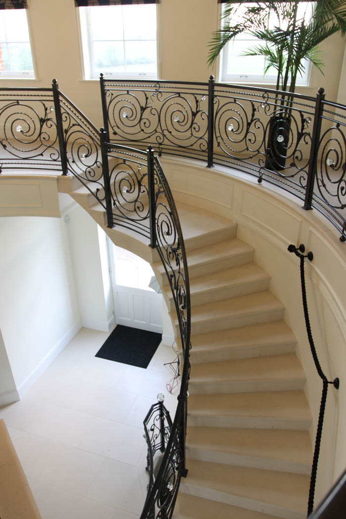 35. Moleanos stone cantilever staircase – West Sussex