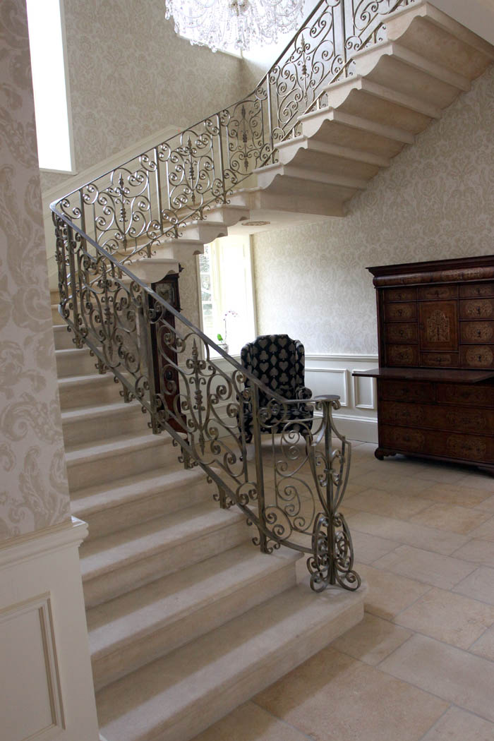 37. Cotswold stone cantilever staircase with solid stone landings – Yorkshire