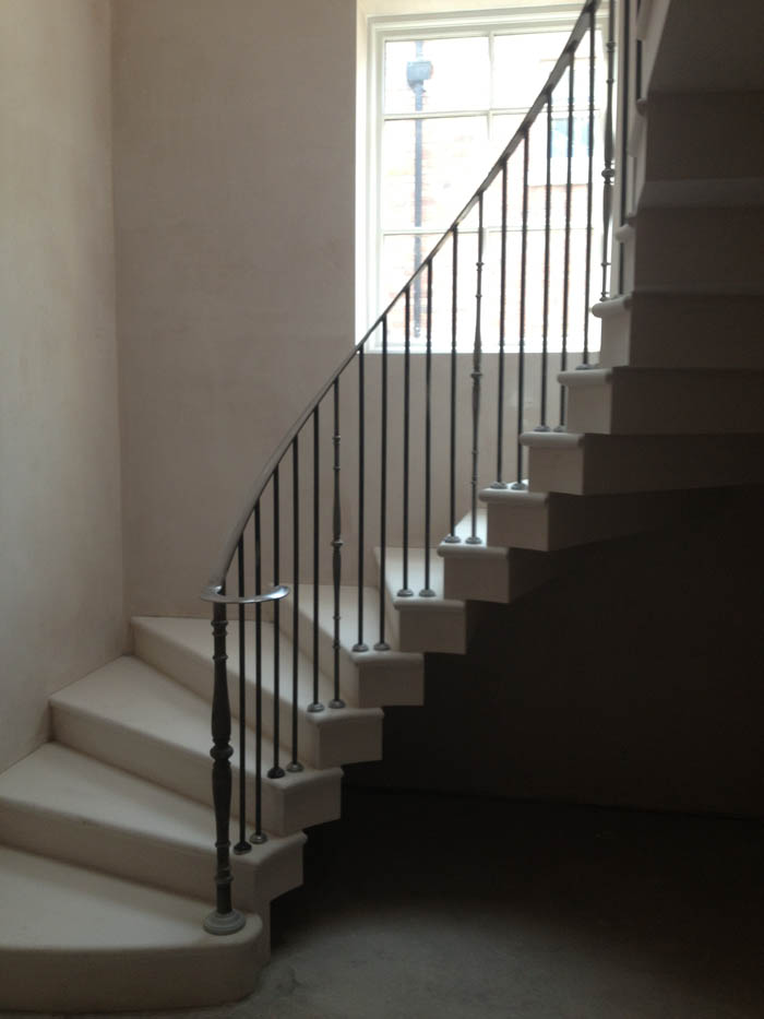 45. Moleanos stone staircase with stepped soffit – Staffordshire