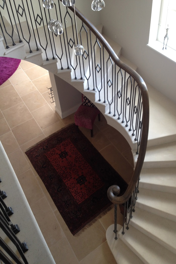 55. Cantilever Anstrude Staircase with in-flight landing and bespoke balustrade – Henley-on-Thames