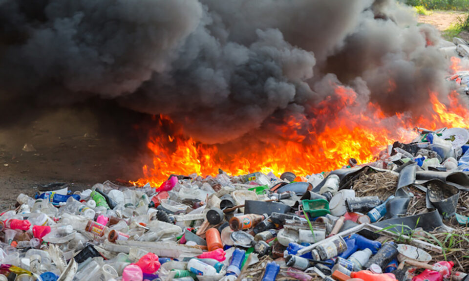 Burning Plastic Waste Is Polluting The Air In Indian Cities