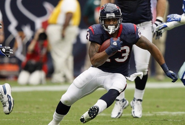 RB Arian Foster Signs With Dolphins