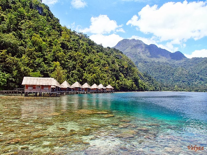 South Moluccas: Traveling to Ora Beach