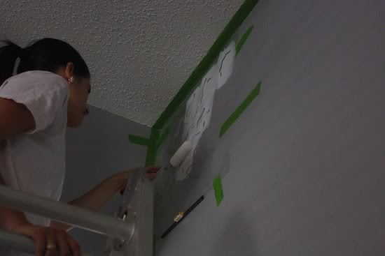 tips for how to stencil a wall