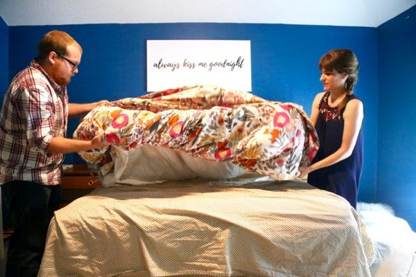 How to put on a duvet cover by rolling