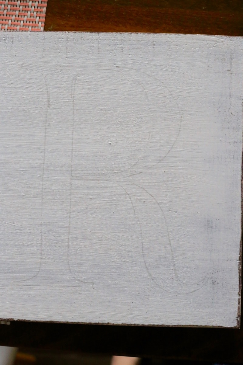 Transferring letters onto wood for DIY wood sign