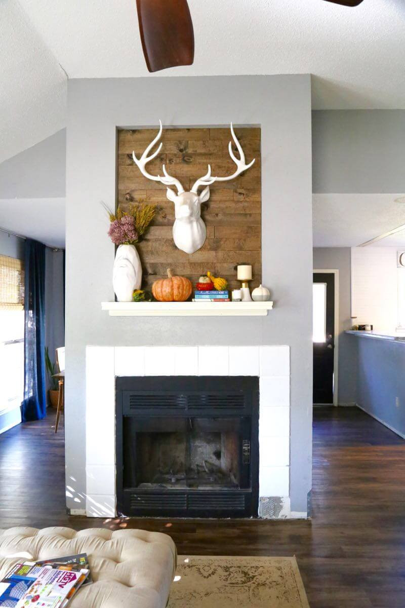 This fall home tour is so cozy and inspiring. The decorations are so pretty and it makes it look so easy to decorate your home for fall!