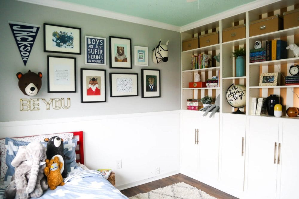 An adorable, colofrful gender-neutral big kid room.
