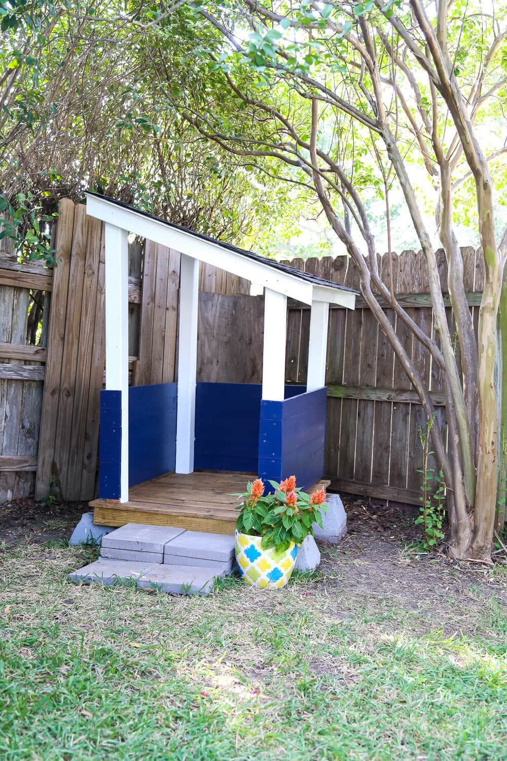Easy DIY playhouse for the backyard