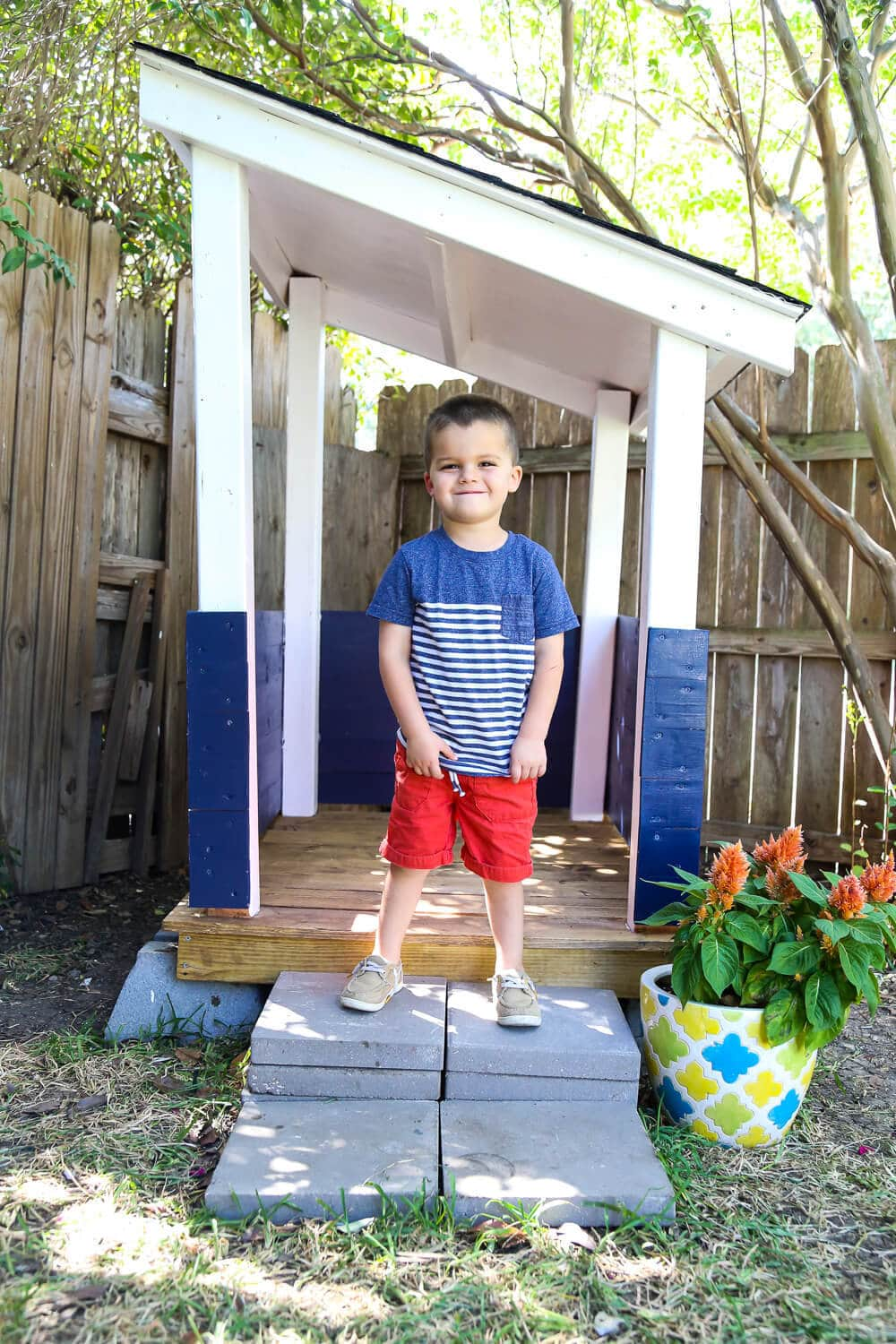 Finished playhouse with DIY roof