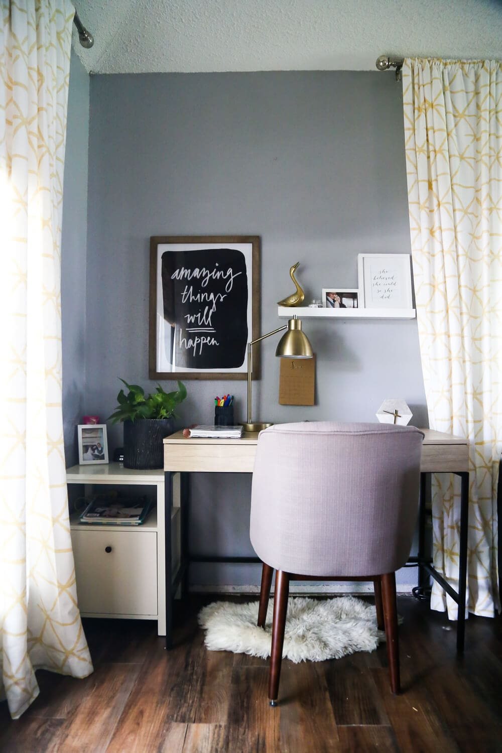 Tips for creating a budget home office nook for your home where you can focus on work, get things done, and not make the rest of your room look awful! Great ideas for a pretty and organized home office nook.