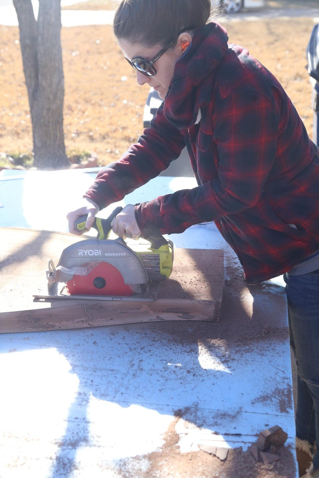 Using circular saw to cut table down for DIY entry table