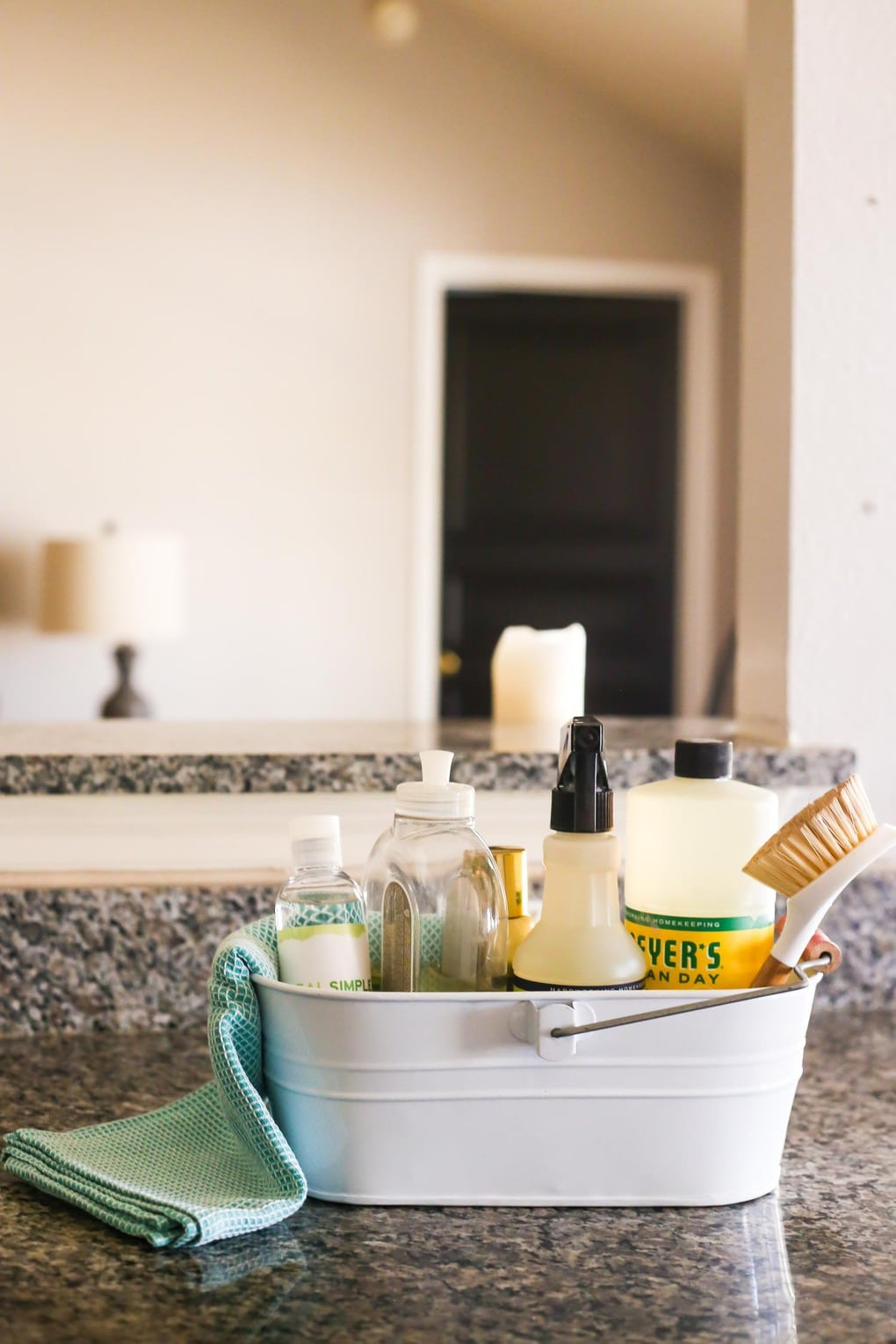 Tips for a small but organized kitchen