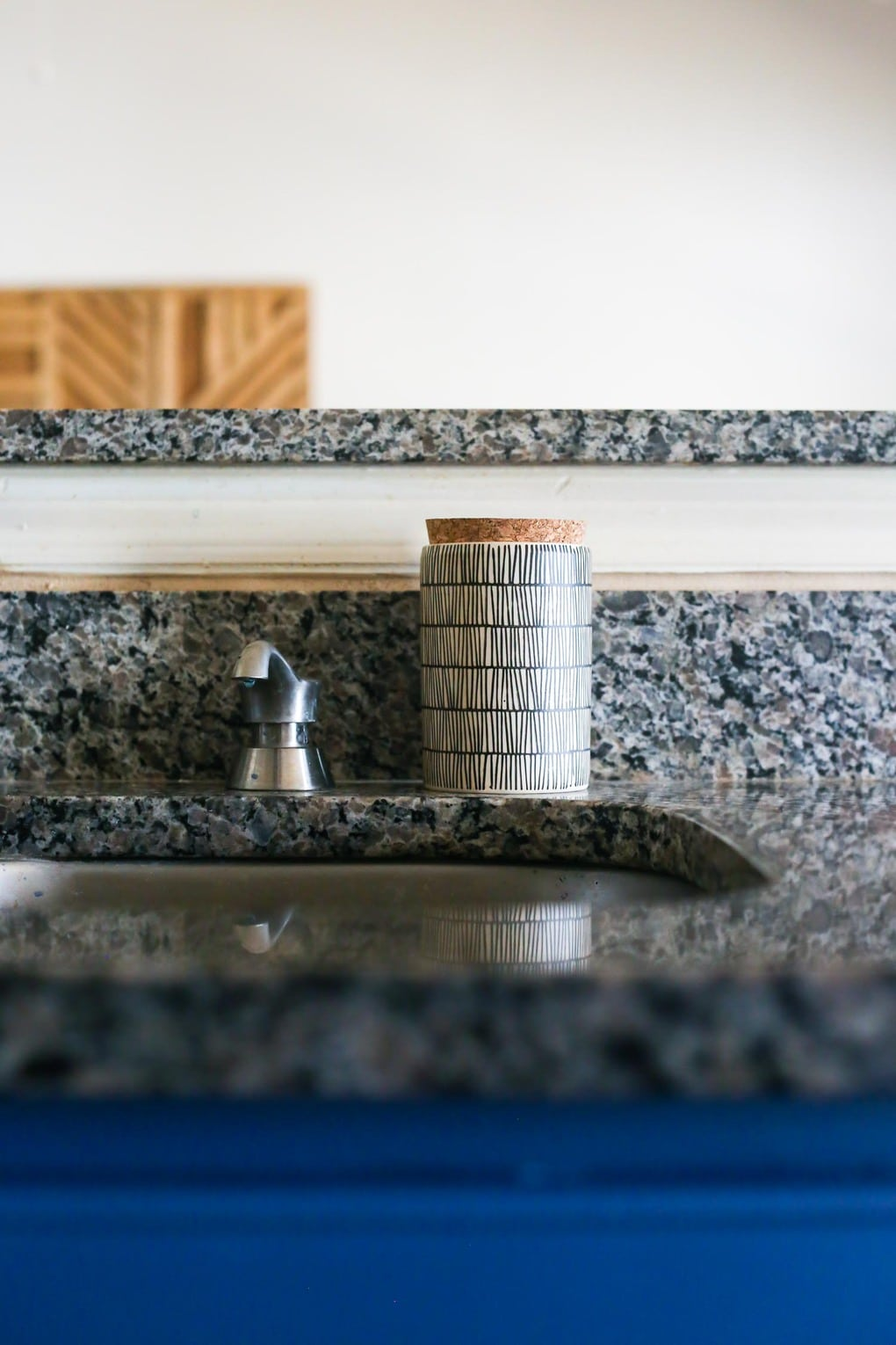 How to organize your counters in a small kitchen