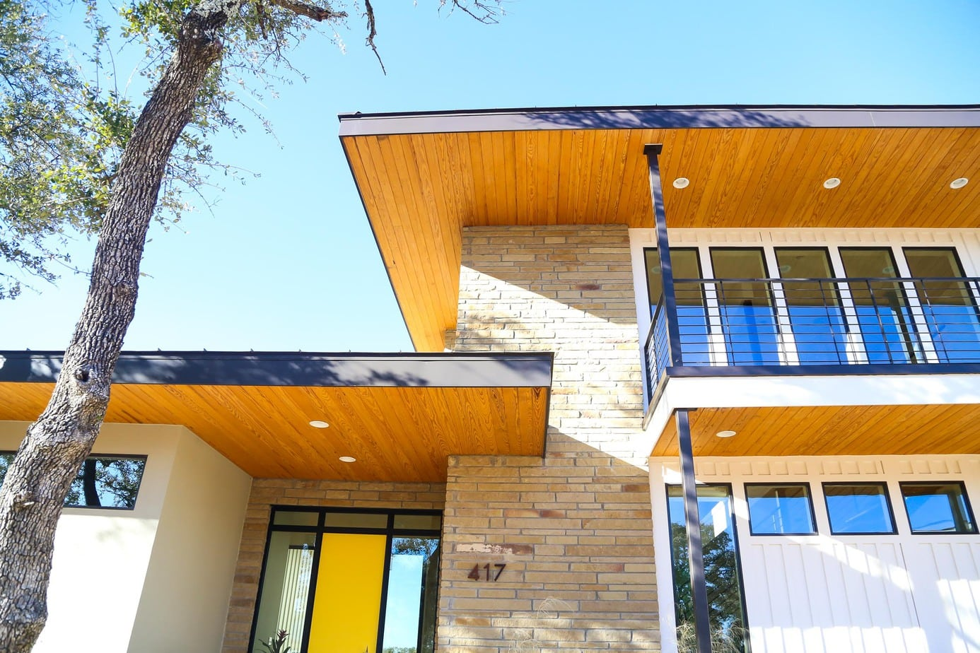 Exterior of mid-century modern home in Starlight Village