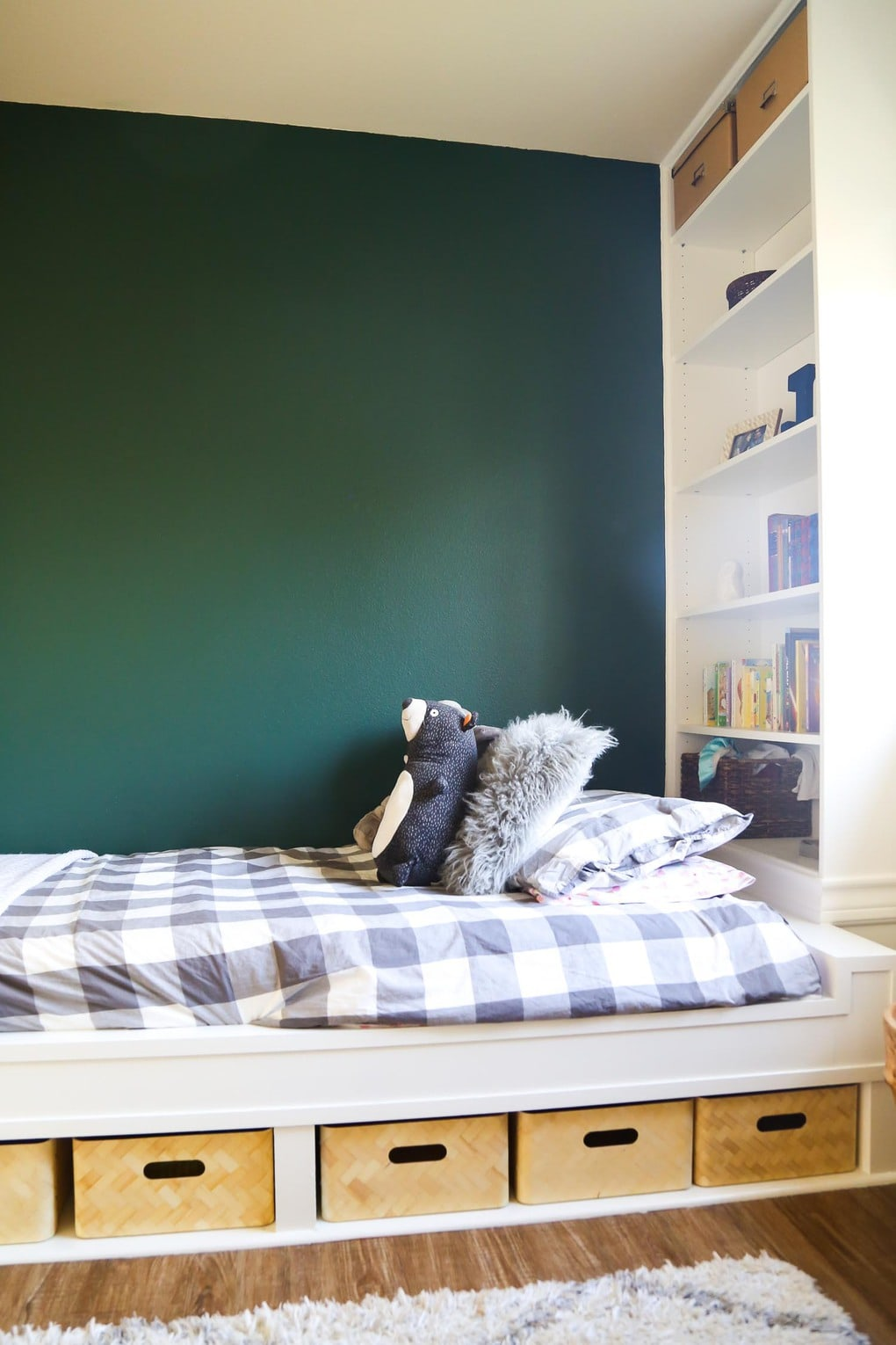 DIY built in bed and bookcases