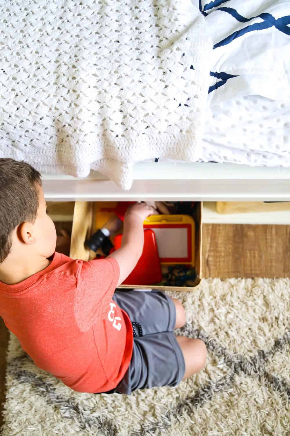 tips to keep a kids room organized