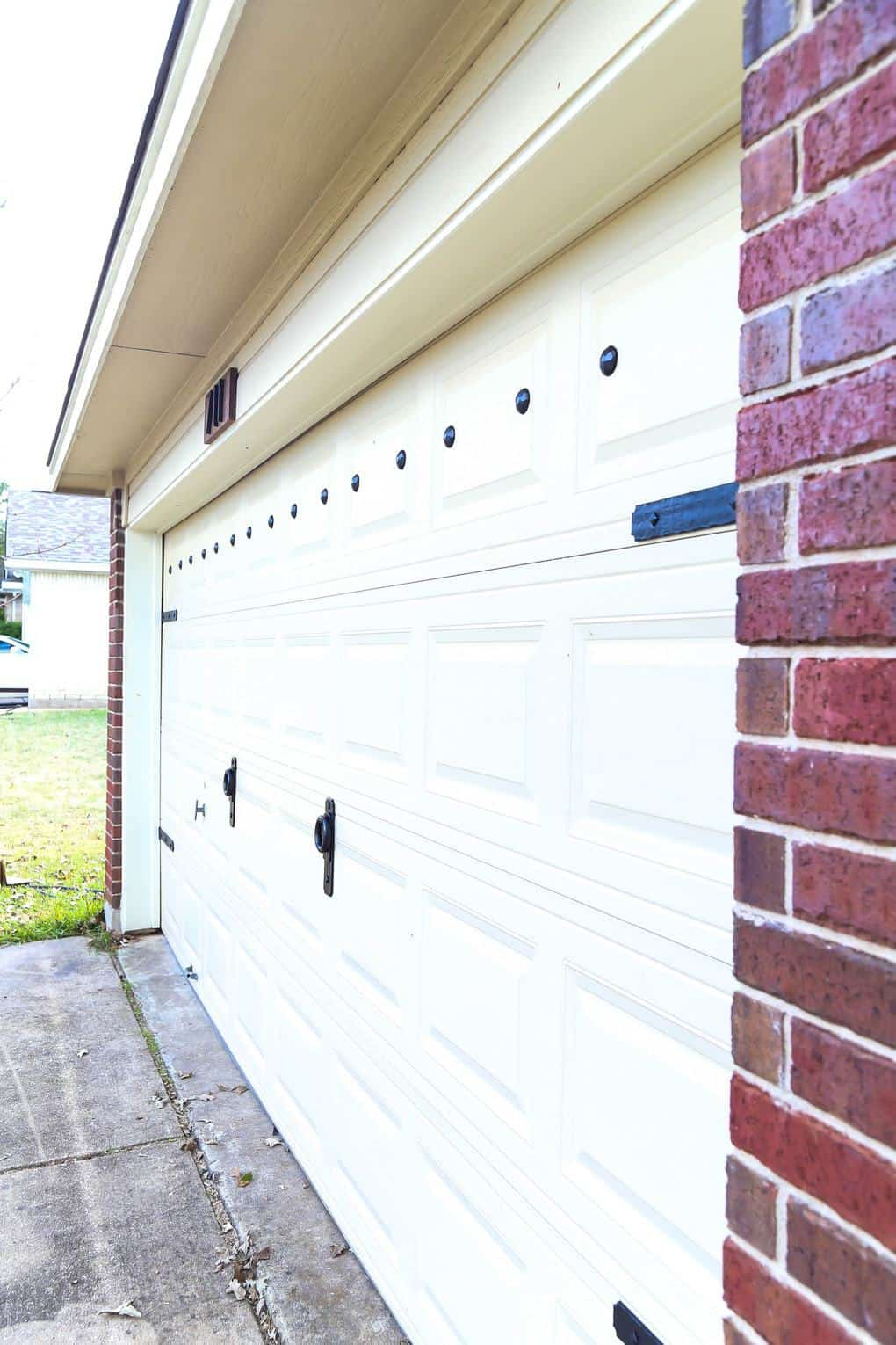 garage door makeover after
