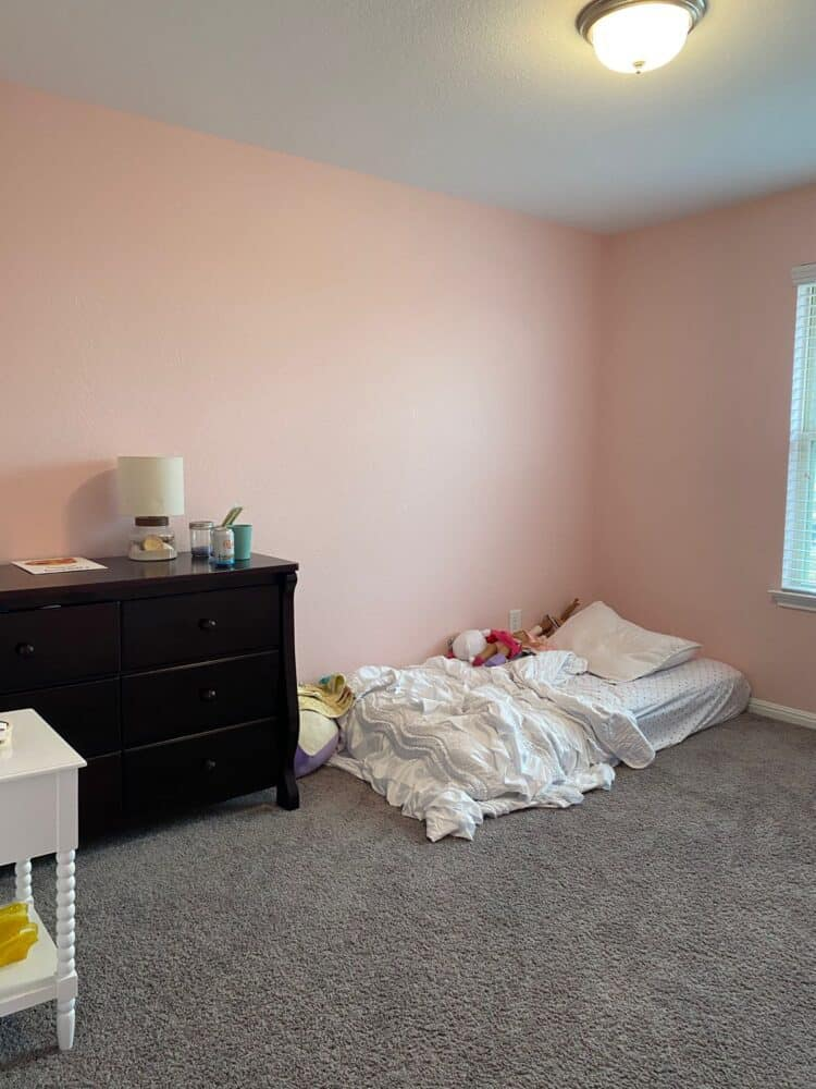 girls room makeover before