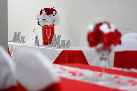 the-beacon-center-wedding-sweetheart-table-closeup