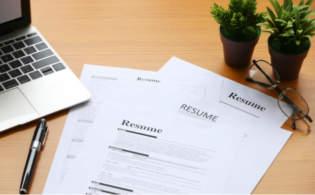 5 Resume Tools for Job Hoppers With Employment Gaps