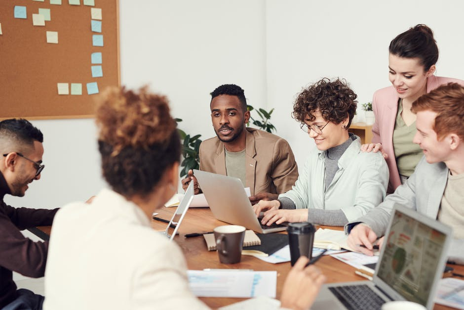7 Amazing Ways to Keep Your Employees Motivated and Improve Performance
