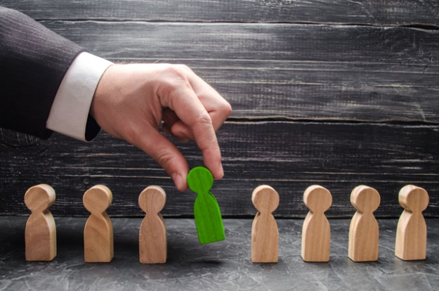 Executive Search Tips: How To Hire The Top Candidates In An Industry