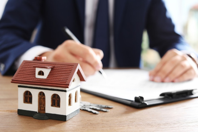 The Legal List: 4 Ways to Navigate a Property Dispute