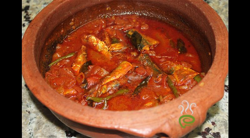 Kerala Style Fish Curry (Naadan Meen Curry) – pachakam.com