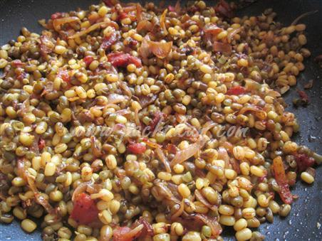 Sprouted Moon Dal Curry – pachakam.com