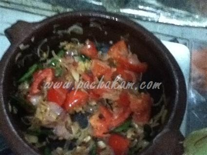 Spicy Squid (Koonthal) Curry – pachakam.com