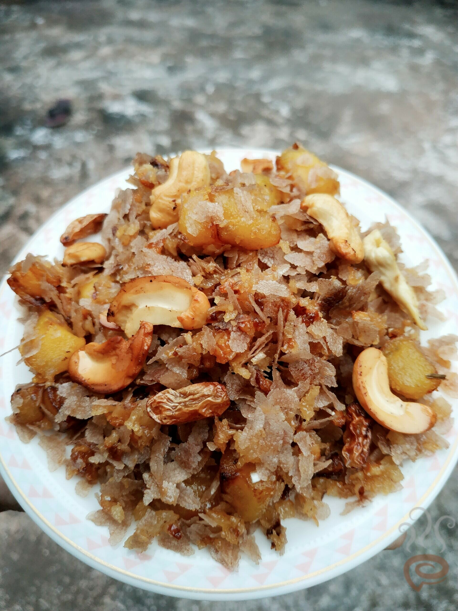 Aval Ethapazham Varattiyathu | Beaten Brown Rice Flakes And Ripe Plantains Cooked With Jaggery And Coconut – pachakam.com