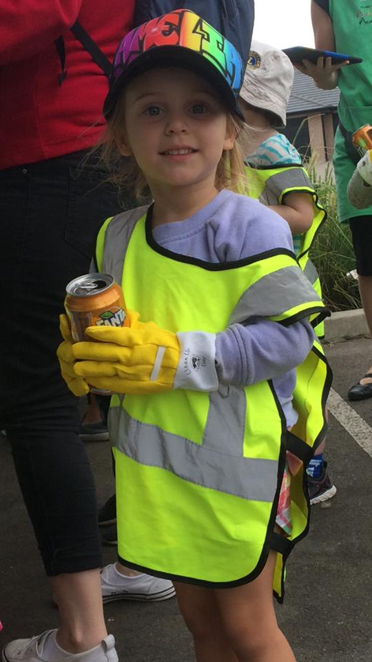 Girl recycling at Hunter valley child care excursion