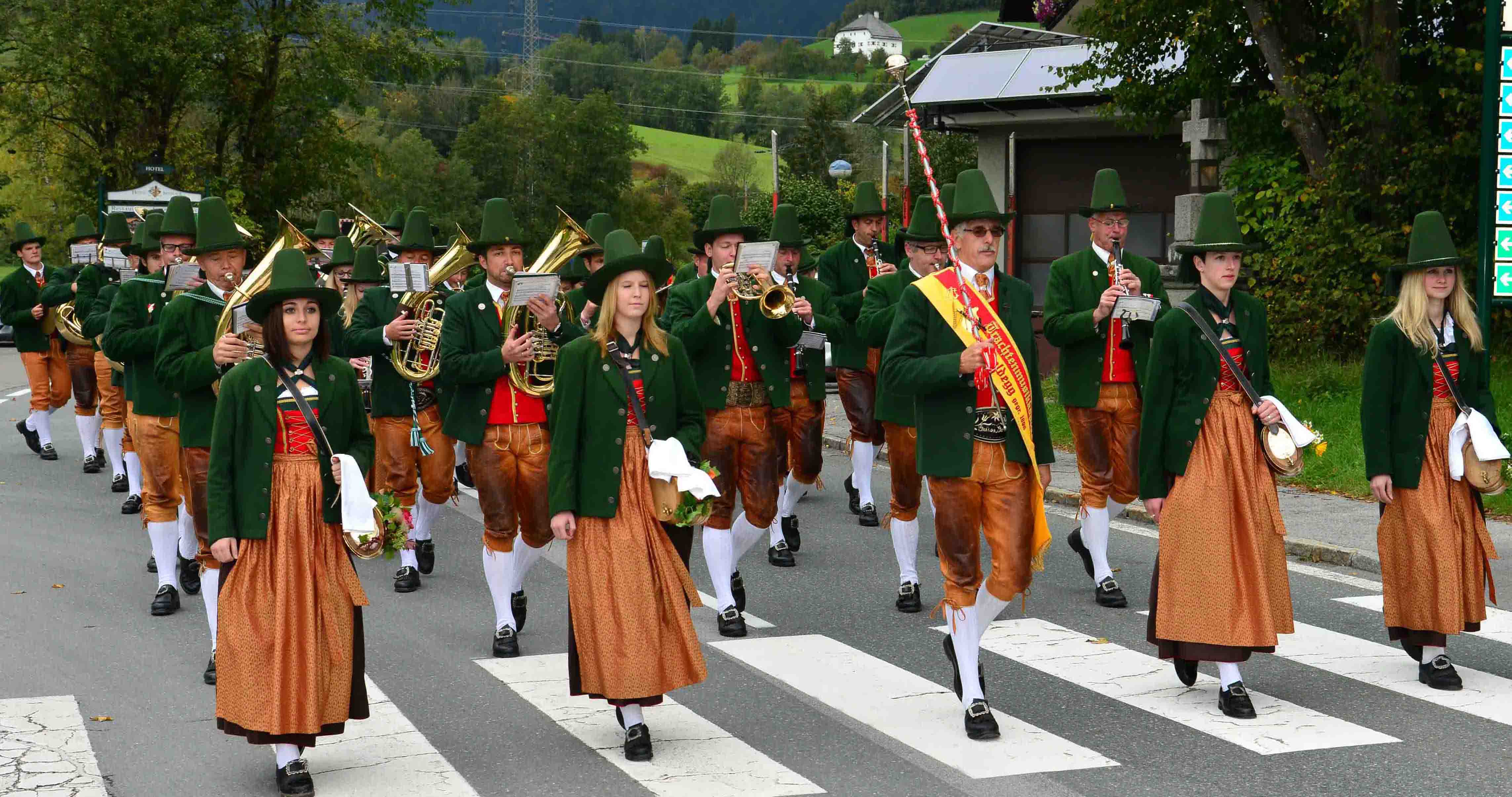 Square concert of the traditional music band Goldegg