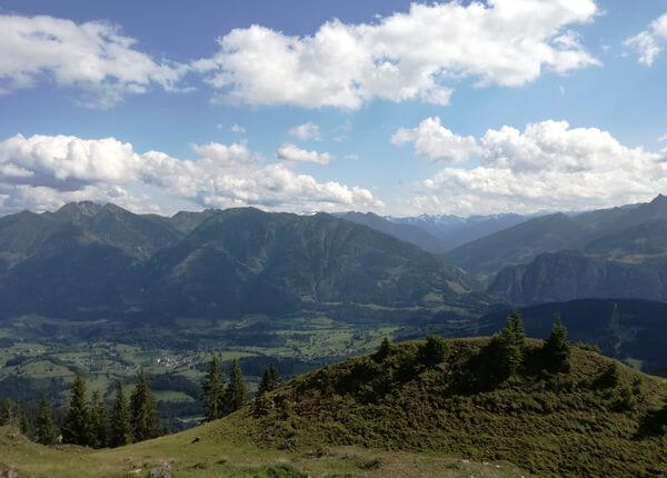 3 days of yoga and hiking in Goldegg