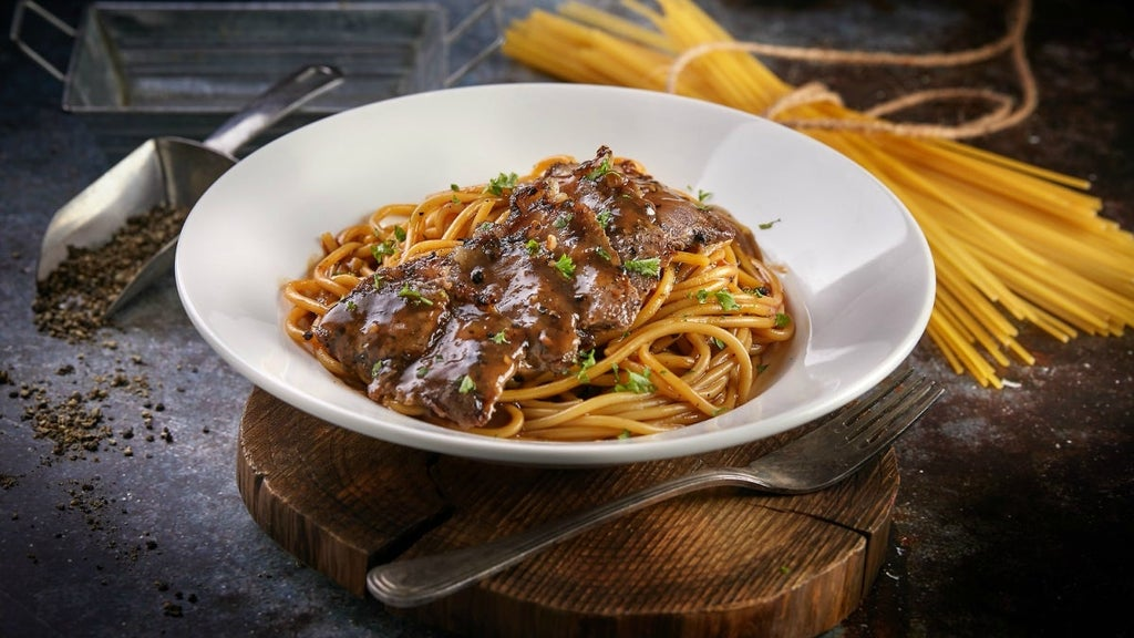Chargrilled Black Pepper Beef Strips Spaghetti