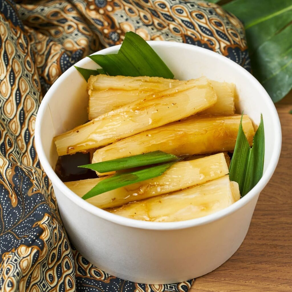 Ubi jahe, steamed tapioca with ginger syrup