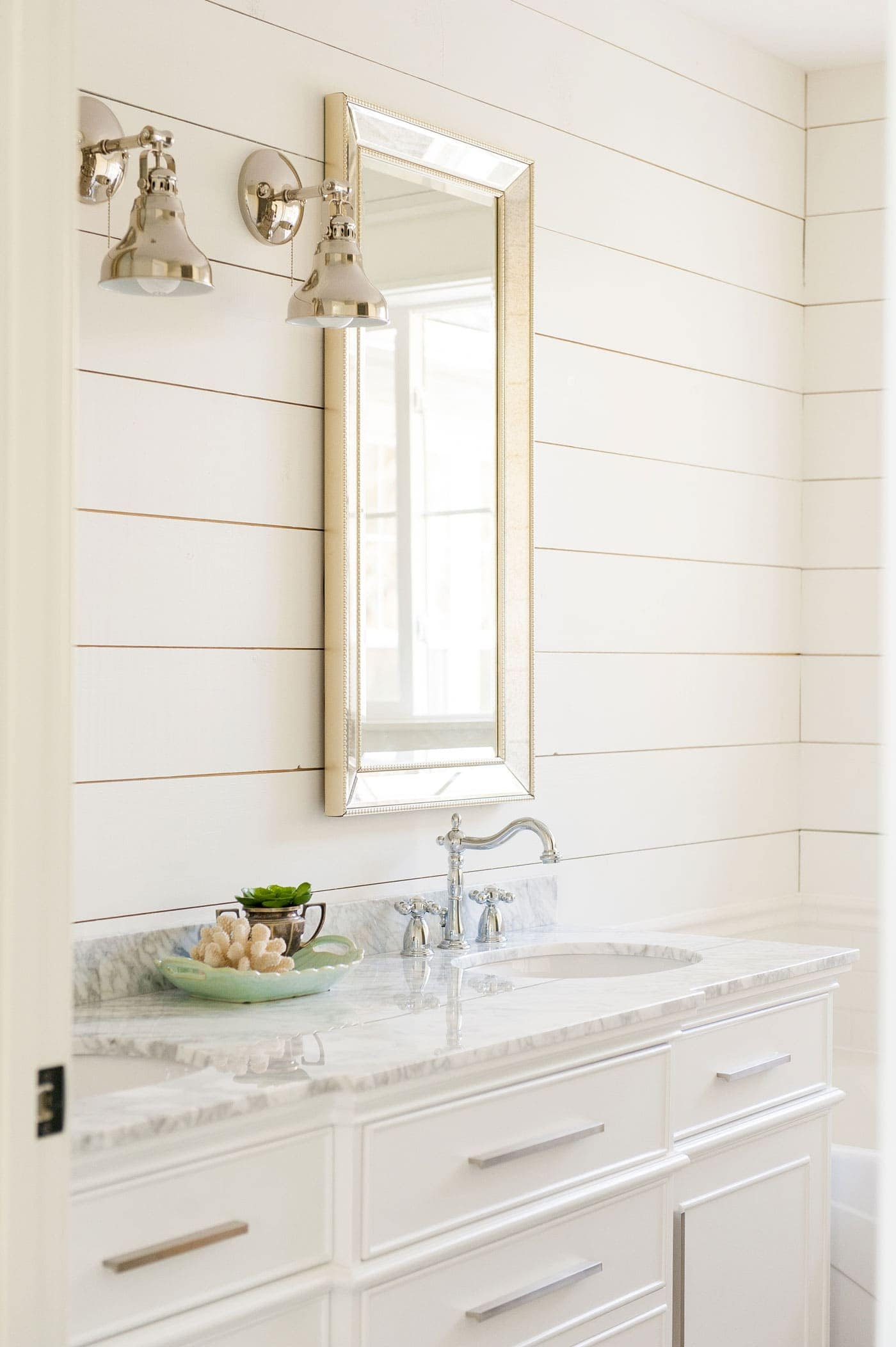 Best Paint Colors For Bathrooms With White Cabinets