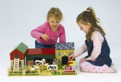 Read more about the article 5 Advantages To Choosing Wooden Toys For Children