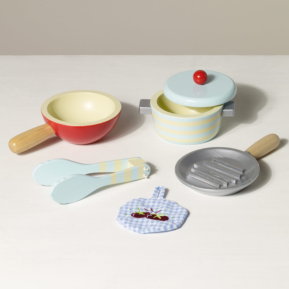 TV301 Pots and Pans by Le Toy Van 003