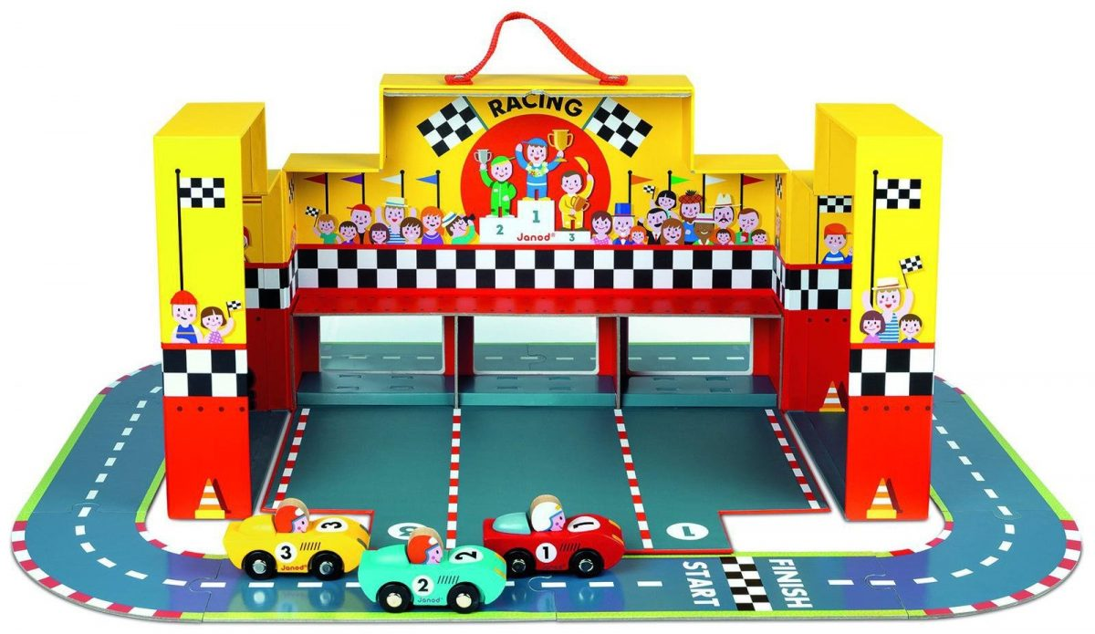 J08554  Janod Grand Prix Play Set in a Suitcase 003