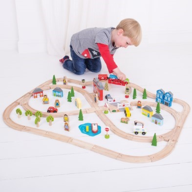 Read more about the article The Benefits Of Imaginative Play For Young Children