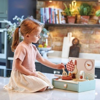 tender leaf toys kitchenette toy with girl playing