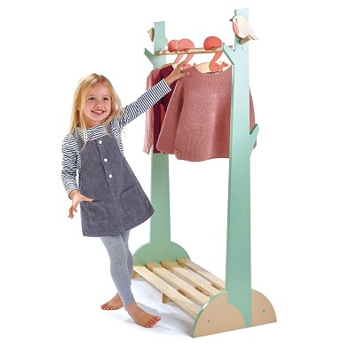 girl with kids tender leaf clothes rail