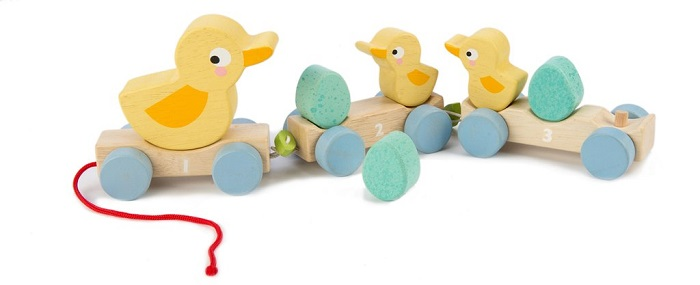 pull along ducks toy by tender leaf toys