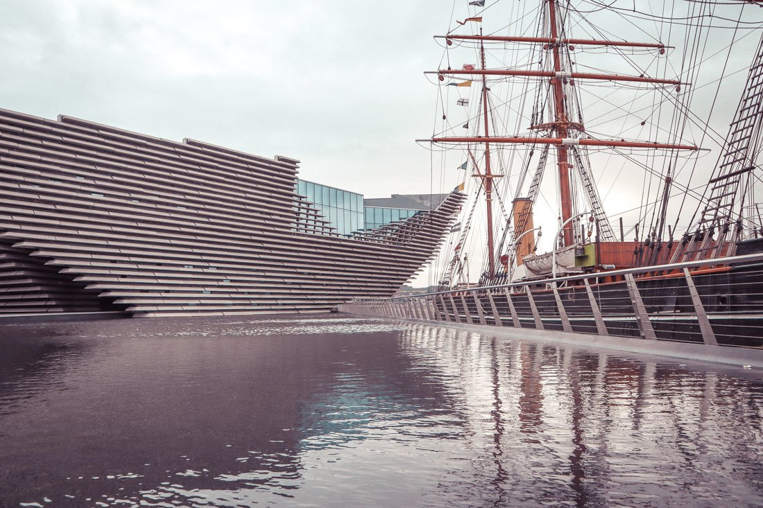 Dundee V and A