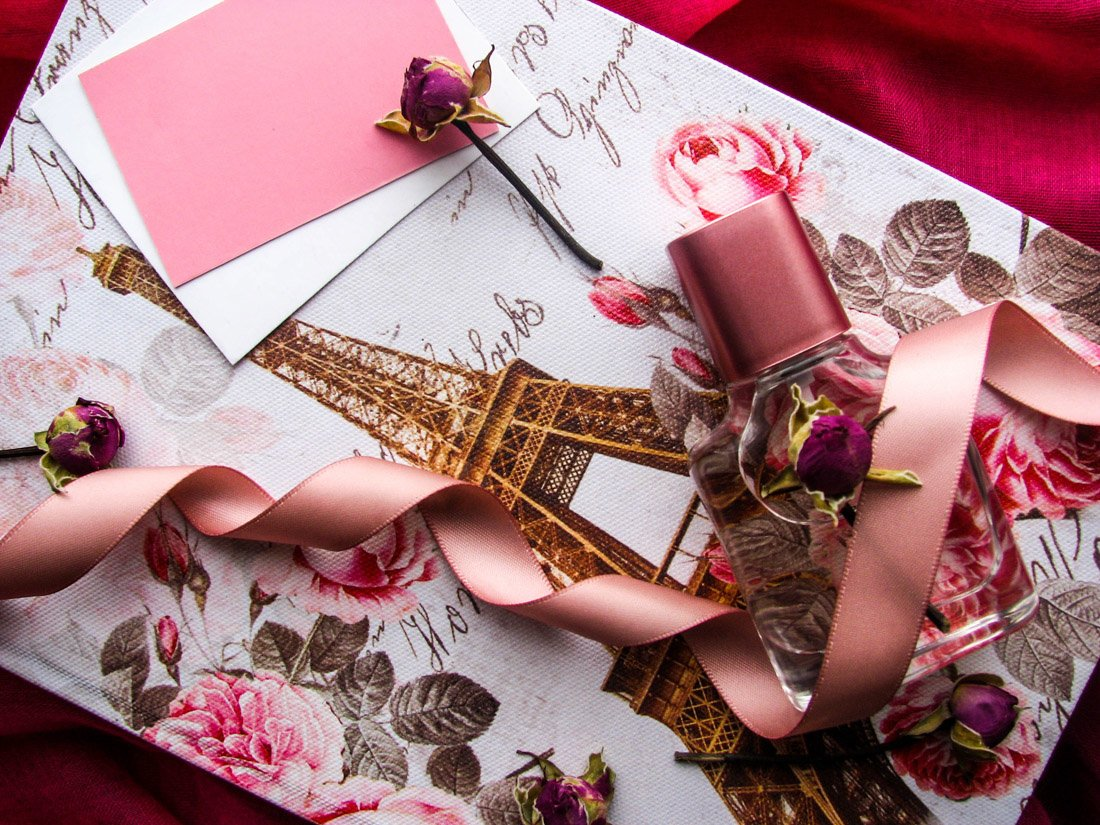 Paris gift bag, pink, roses