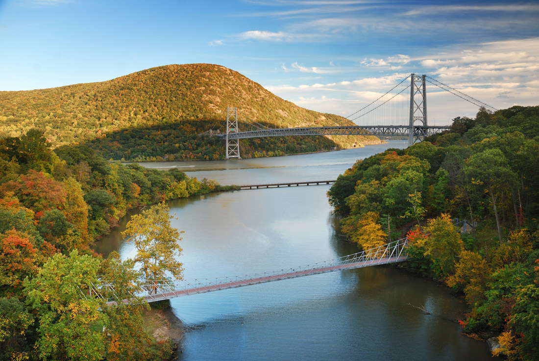 Hudson River Valley view in early autumn