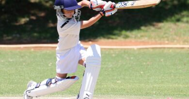 english-cricket-clothing-why-do-cricketers-wear-white