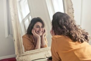 benefits-of-looking-into-the-mirror
